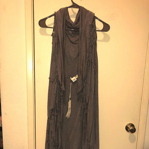 Love Stitch Vest Long with Knotted Fringe NWT